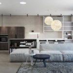 Интерьер большой гостиной в серых тонах