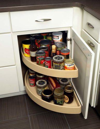 Полка-карусель в кухонном шкафу