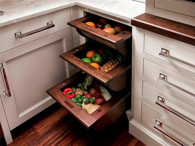 Выдвижны ящики с овощами и фруктами