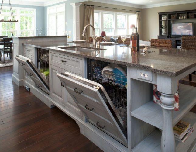 Кухонный остров с посудомоечной машиной