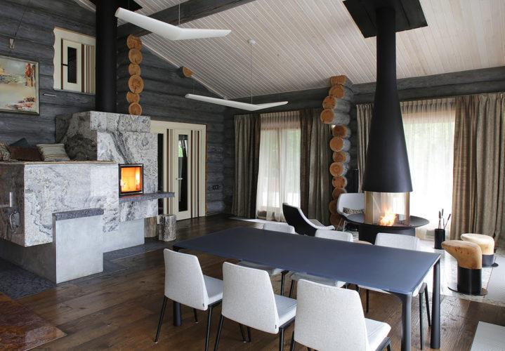 Дизайн гостиной-столовой в деревянном доме