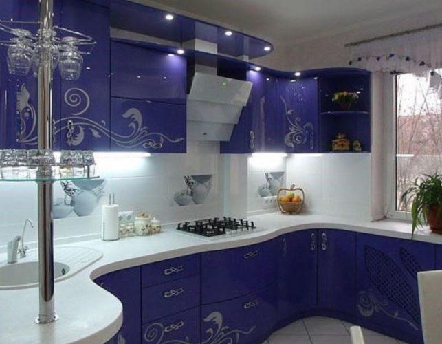 Интерьер кухни в синих тонах