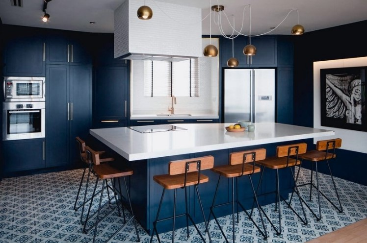 Дизайн кухни в синих тонах