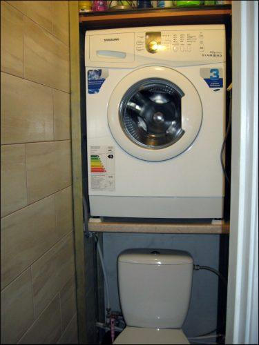 Способ установки стиральной машины в ванной комнате
