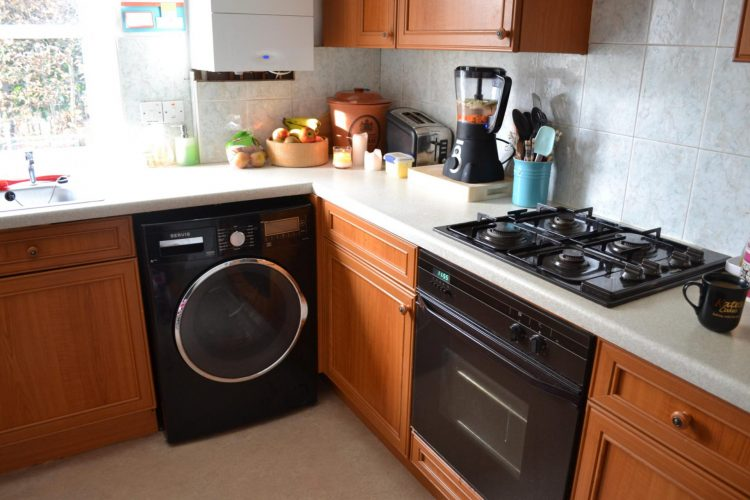 Установка стиральной машины на кухне