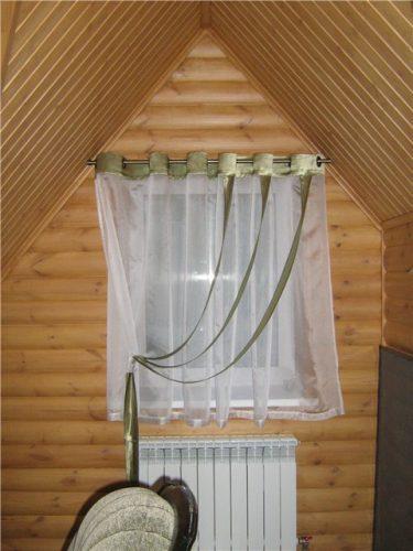 Шторы для мансарды дачного дома