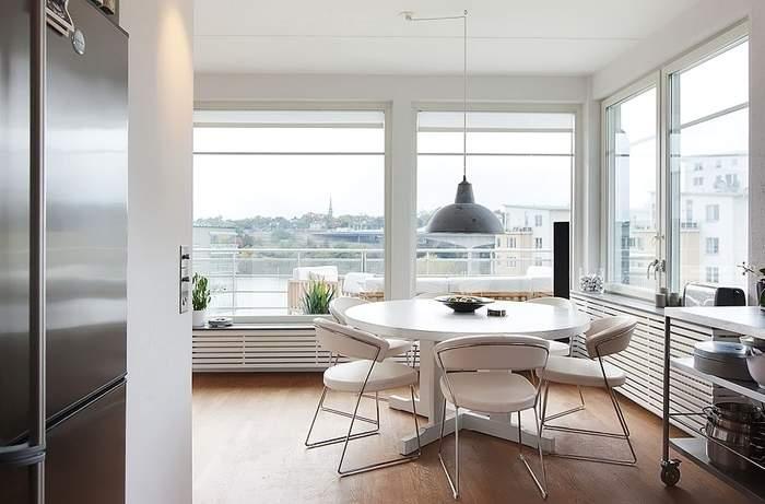 Дизайн столовой с панорамными окнами