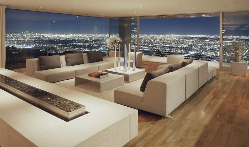 Просторная квартира с панорамными окнами
