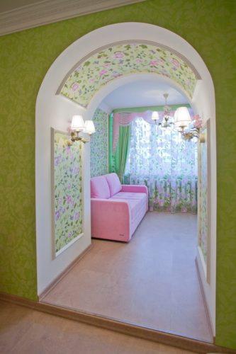 Дизайн комнаты с аркой
