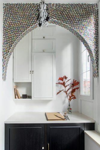 Декоративная арка в интерьере комнаты