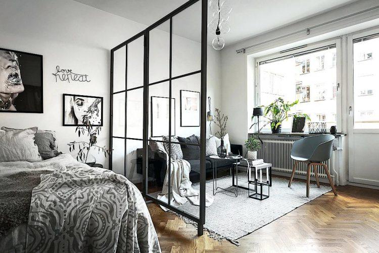 Квартира-студия со стеклянной перегородкой