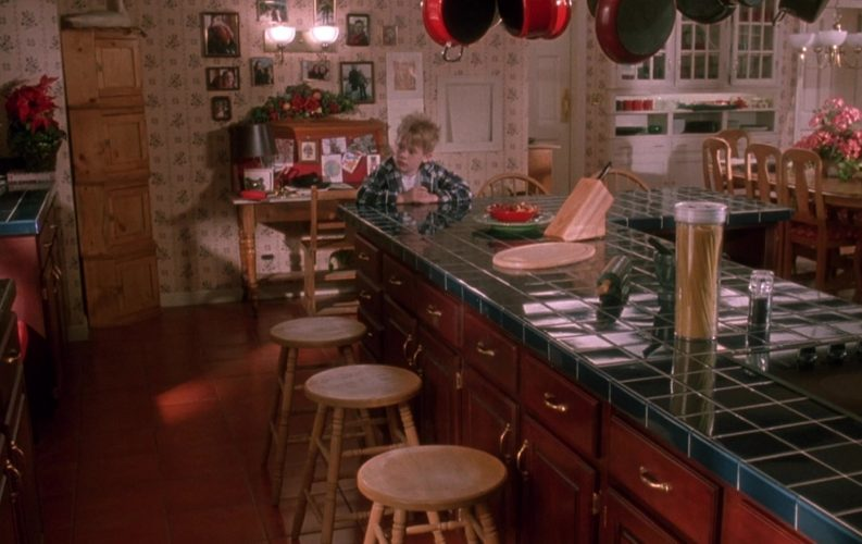 Дом из фильма «Один дома»: старая версия против новой