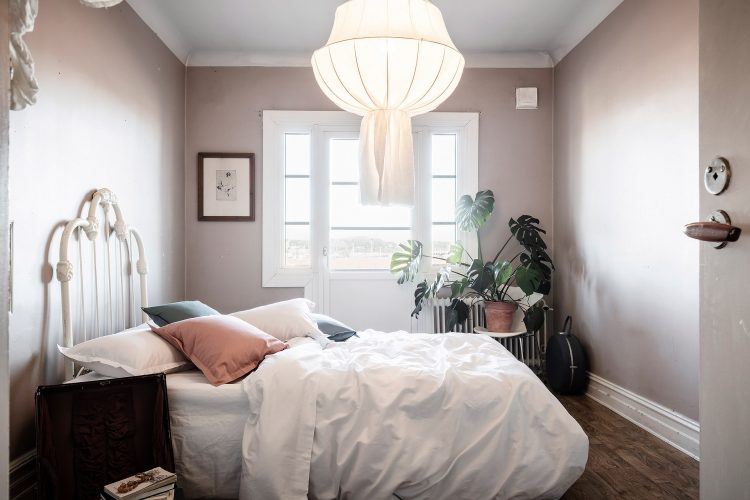 Cветлая спальня