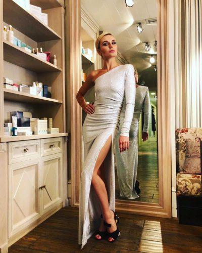 Полина Гагарина в серебряном платье