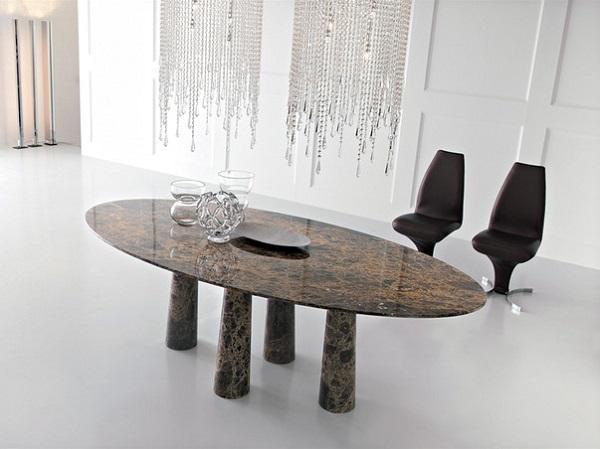 Каменный стол в столовой
