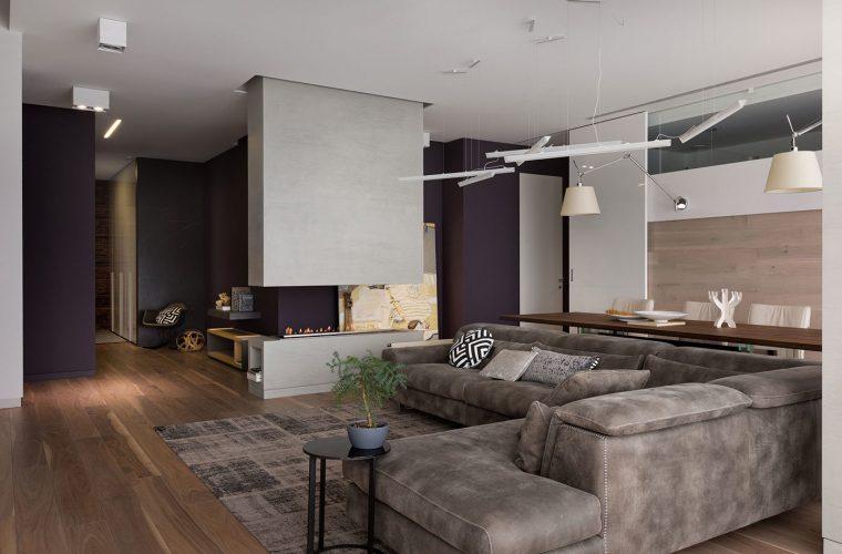 Гостиная с использованием тёмных цветов в интерьере