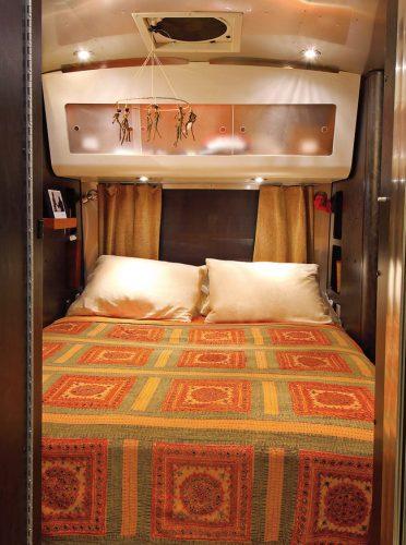 Спальня в минивэне