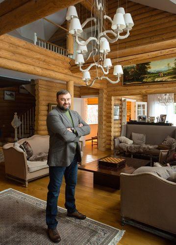 Михаил Пореченков в своём доме