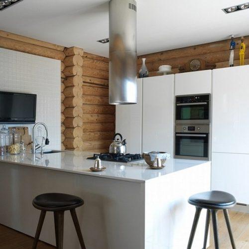Кухня в доме Михаила Пореченкова