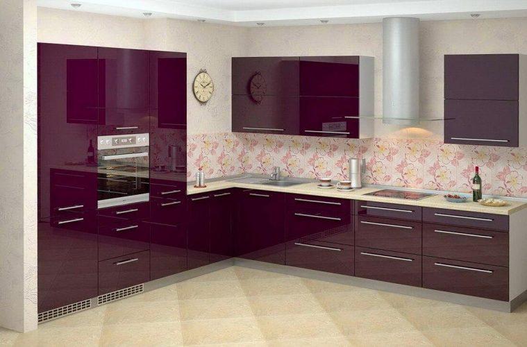 Кухня с глянцевым фасадом