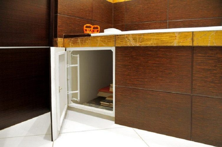 Дополнительное пространство под ванной