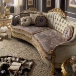 Дорогой диван
