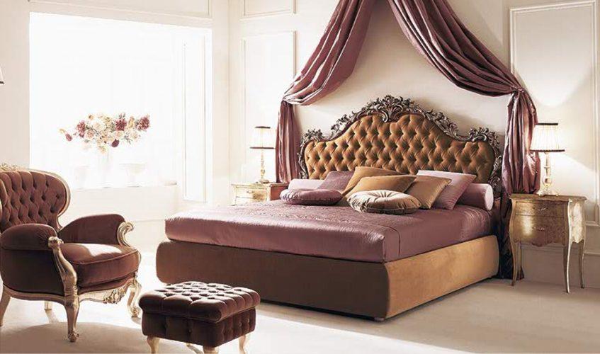 Красивая кровать с имитацией балдахина