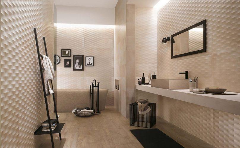 Фактурная плитка в ванной