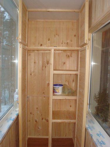 Шкаф их деревянных досок своими руками