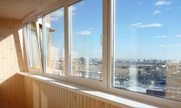 Привлекательность остекления балкона под ключ от профессионалов