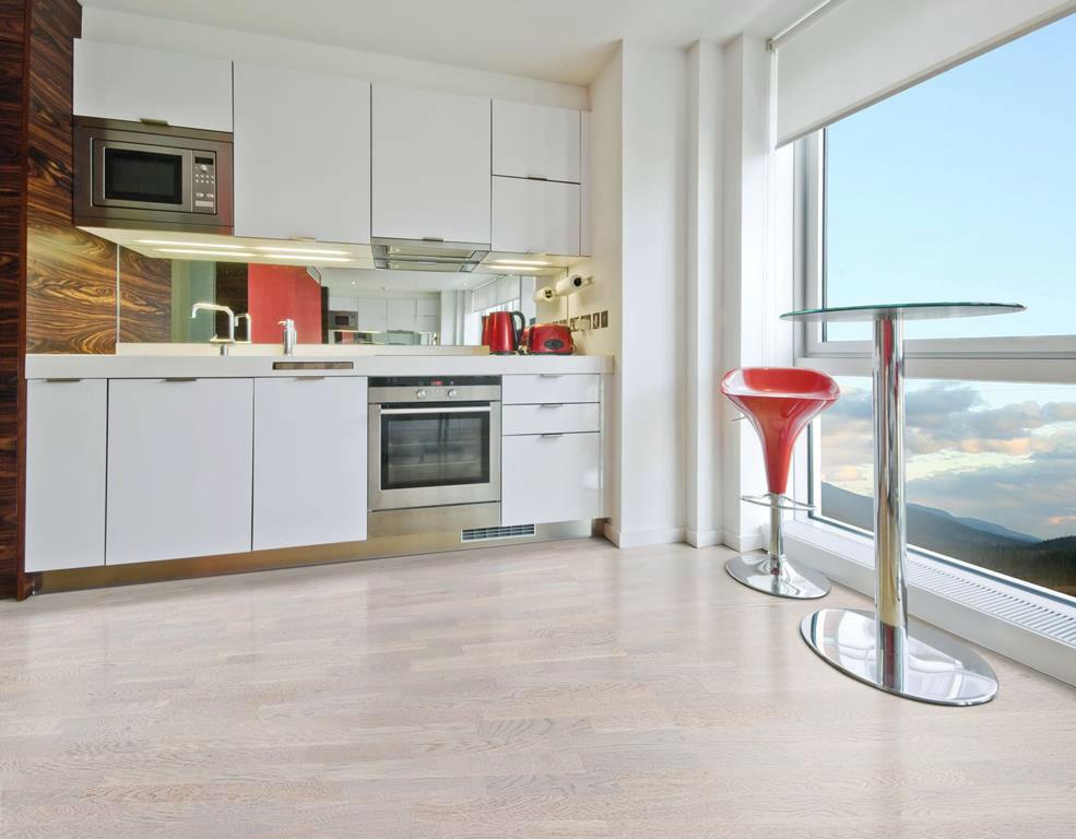 Обзор отделочных материалов для полов в кухне